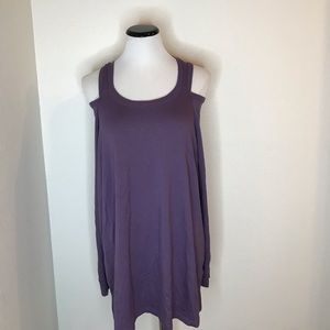 Reaction Kenneth Cole tunic  shoulders out